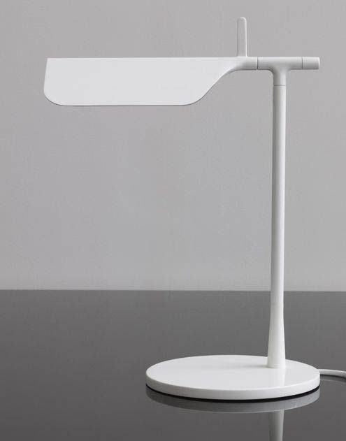 lampa tab t zaprojektowana przez barber osgerby