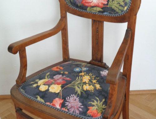 Dębowy secesyjny fotel