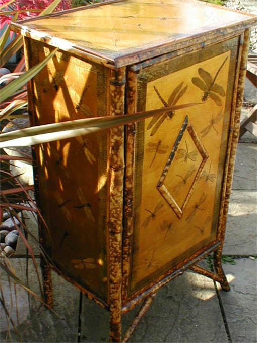 wiktoriańska szafka z bambusa